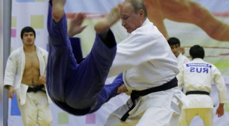 putin judo gösterisi