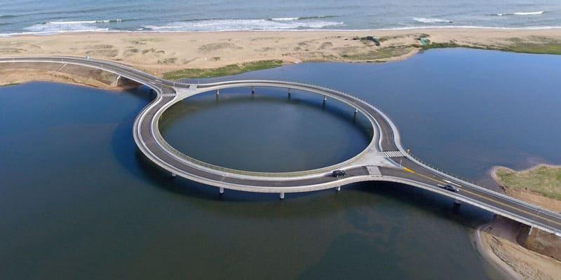 daire şeklindeki köprü