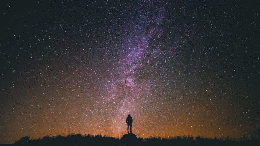 hangi yıldızlar gece görünür